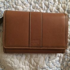 Coach Wallet Leather Coach wallet, with many compartments and snap closure ↛ Like new, never used! Coach Bags Wallets