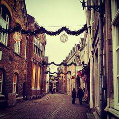 #maastricht  #street - @ramelastuart- ##stokstraat #mtricht #univercity