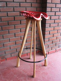 vintage-parlin-and-orendorff-tractor ax handle legs & Milk can and tractor seat bar stools. | Creative Recycling Stuff ... islam-shia.org