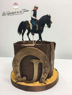 Horse and horseshoe cake Cowboy Cupcakes, Cowgirl Cakes, Western Cakes, 40th Birthday Cakes For Men, Cowboy Birthday Cakes, Horse Birthday, Renn Kuchen, Horse Cake Pops, Cowboy Theme Party