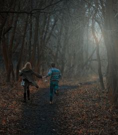 marlene and Sirius running around the forbidden forest, 1978 Into The Woods, Forbidden Forest, Couple Running, Fotos Goals, Couple Aesthetic, Foto Pose, Story Inspiration, Plein Air, Running Away