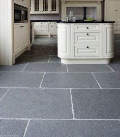Details About Sample Of Tumbled Cathedral Ash Grey Limestone Floor Tiles Slabs Aged Flagstones