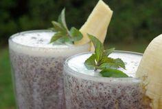 Recept: Makové mlieko | Nebíčko v papuľke Smoothies, Plants, Smoothie, Plant, Planting, Planets, Fruit Shakes