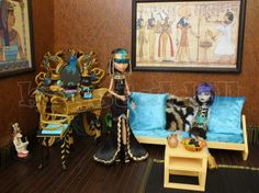 Monster High House, Monster High School, Monster High Custom, Frankenstein's Monster, Monster High Dolls, Famous Monsters, Doll Repaint, Doll Furniture, Diy Doll