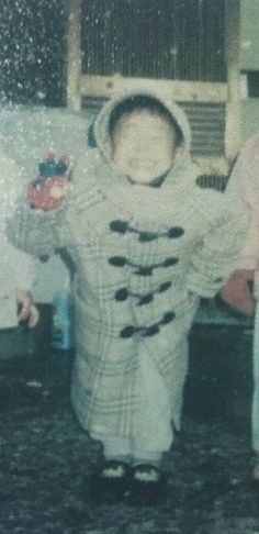 Let's appreciate smol baby Jimin for a moment. Busan, Old Pictures, Baby Pictures, Mochi, Most Popular Kpop, Bts Predebut, Bts Quotes, Lil Baby, Rap Monster