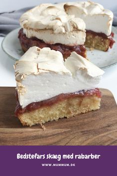 Grandpa's beard with rhubarb Danish Dessert, Danish Food, Cookie Desserts, No Bake Desserts, Yummy Treats, Delicious Desserts, Cake Recipes, Dessert Recipes, Baking With Kids
