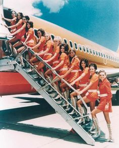 SouthWest Airlines Flight Attendants in the 1960s - Could see us rocking this job back then. Vintage Airline, Vintage Travel, Vintage Ads, Vintage Vibes, Vintage Style, Vintage Posters, Vintage Photos, Fly Girls, Airplanes