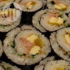 Sushi coreano: Este es un sushi muy diferente a cualquier otra receta porque lleva carne picada. ¡Vale la pena probarlo!