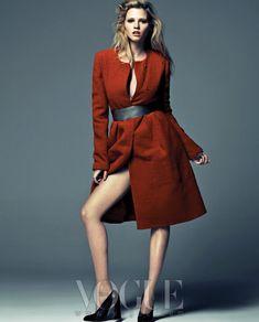 Lara Stone para Calvin Klein en Vogue Corea agosto 2012