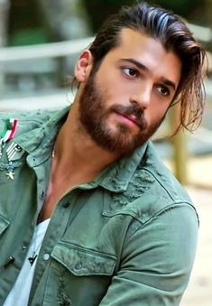 Can Yaman / Erkenci Kuş / Early Bird - Valentine's Day Turkish Men, Turkish Actors, Beautiful Men Faces, Gorgeous Men, Beard Lover, Hommes Sexy, Hot Actors, Celebrity Workout, Male Face