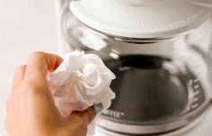 How To Clean A Coffee Maker Coffee Brewer, Espresso Coffee, Coffee Cups, Coffee Maker, Italian Espresso, Coffee Tables, Coffee Pot Cleaning, Nyc Coffee Shop, Coffee Stain Removal