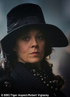 Peaky Blinder | Aunt Polly Gray, played by Helen McCrory
