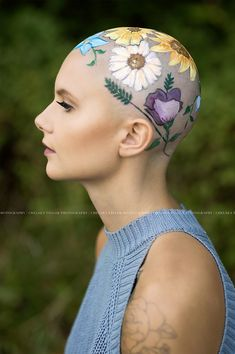 Mom Spends Hours Painting Daughter's Bald Head For Her Senior Year Portraits, And The Result Is Beautiful   Bored Panda
