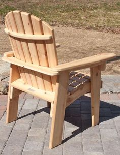 These Adirondack chair plans will help you build an outdoor furniture set that becomes the centerpiece of your backyard . It's a good thing that so many plastic patio chairs are designed to stack, and the aluminum ones fold up flat. Pallet Patio Furniture, Outdoor Furniture Plans, Rustic Furniture, Antique Furniture, Woodworking Furniture, Woodworking Plans, Modern Furniture, Woodworking Classes, Furniture Ideas