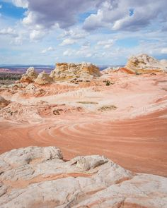White Pocket, Arizona by Wandering Wheatleys  #WhitePocket #Arizona #Hiking #WanderingWheatleys