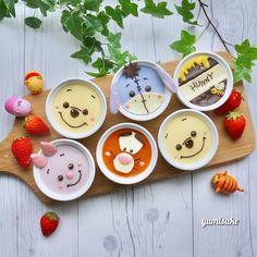 Pooh & friends puddings by Cute Snacks, Cute Desserts, Cute Food, Dessert Recipes, Disney Inspired Food, Disney Food, Cute Baking, Unicorn Foods, Kawaii Dessert
