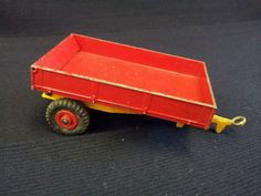 DINKY TOYS WEEKS TIPPING FARM TRAILER