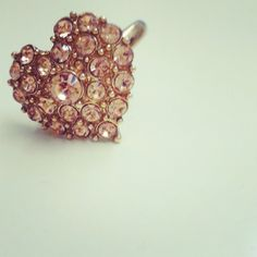 I own this ring from Forever 21. I just have it in the color silver.