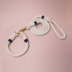 Classic rope collar & leash set. Silk white cotton rope with blue knots.