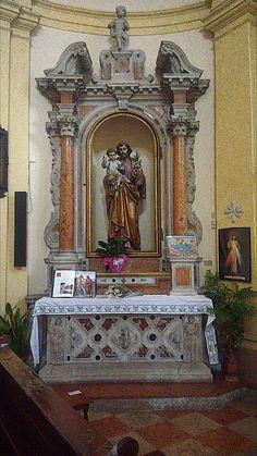 La chiesa dei Santi Cosma e Damiano - Vela (Tn) Foto Hdr, Statue, Home Decor, Fotografia, Decoration Home, Room Decor, Interior Design, Home Interiors, Sculpture