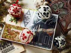 55 Christmas Balls to Knit-Colorful Festive Ornaments by Arne & Carlos.