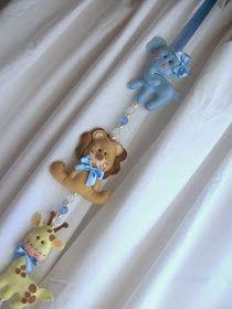 Móbile para cortina Tema Safari, confeccionado em feltro para decorar quarto do bebê.