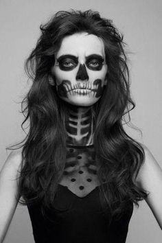 Create your own skeleton costume for Halloween Halloween Face Paint Scary, Halloween Skeleton Makeup, Skeleton Face Paint, Female Skeleton, Skull Face Paint, Halloween Looks, Halloween Stuff, Halloween Ideas, Fantasy Makeup