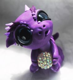Latest Photo Polymer Clay Crafts sculpting Strategies some dragons are silly 🙂 Polymer Clay Dragon, Polymer Clay Animals, Cute Polymer Clay, Cute Clay, Fimo Clay, Polymer Clay Projects, Polymer Clay Charms, Polymer Clay Creations, Clay Crafts