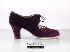 https://www.tamaraflamenco.com/es/zapatos-de-flamenco-profesionales-4 Zapato profesional de flamenco Begoña Cervera Modelo Petalos ante negro y cardenal