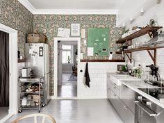 我們看到了。我們是生活@家。: Johanna與丈夫Adam的精緻公寓,以白色與綠色為主要色調,讓人感覺特別舒適!