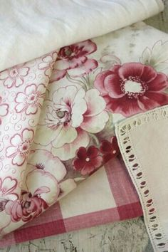 Cottage on Raspberry Lane. Tissu Style Shabby Chic, French Fabric, Linens And Lace, Rose Cottage, Fabulous Fabrics, French Country Decorating, Fabric Wallpaper, Vintage Textiles, Linen Fabric