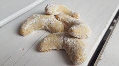Diese veganen Vanillekipferl schmecken wie früher bei Oma, beinhalten aber weder Milch noch Eier.