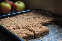 Apple plate cake with oatmeal - Sweet recipes - Dessert Recipes Baking Recipes, Cake Recipes, Dessert Recipes, Pie Dessert, I Love Food, Good Food, Yummy Food, Healthy Sweets, Healthy Baking