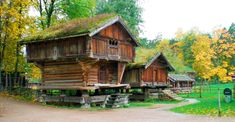 Old Norwegian village Built in the and lifted onto those posts in the Originally from Hovin in Norway. I think this is in the Folke Museum in Oslo Oslo, Norway Viking, Loft House, Cabins And Cottages, Log Homes, Cabana, Art And Architecture, Scandinavian, Rustic