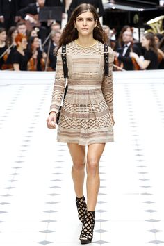 http://www.vogue.com/fashion-shows/spring-2016-ready-to-wear/burberry-prorsum/slideshow/collection