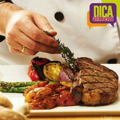 Vai preparar aquele almoço especial com carnes Alimenti? Uma boa dica é servir a carne vermelha acompanhada de legumes gratinados e ervas frescas. Além de dar mais sabor ao prato, ele fica com uma ótima apresentação e ainda mais saudável :D