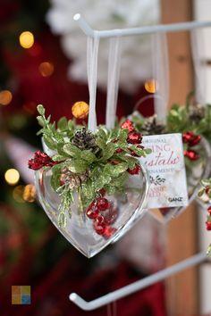 #kissingkrystals #ornament #redandwhite #redandgreen #redchristmasdecor #greenchristmasdecor #whitechristmasdecor #christmas #christmastime #christmasseason #christmasvibes #christmasspirit #christmasdecorating #christmasdecor #christmasdecorations #christmashome #christmasinspiration #christmasinspo #vermeersgardencentre
