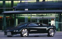 Image from http://archives.rroc.org/zenphoto/cache/Bentley/BENTLEY%20MISC/1%20Prototypes%20and%20Experimental%20and%20Concept%20Cars%20high%20res/Bentley%20Concept%20BY%208%2016%20'Hunaudieres'%201999%20Concept%20Car%20_1%20Photo-Credit_AutoWelt%20Rossfeldt-Archives%20300mm%20300dpi_1200.jpg.