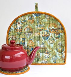 Christmas Tea Cozy, Quilted Tea Cozy, Tea Pot Mat, Trivet, Teapot Cover, Blue Baubles, Insulated Tea Cozy, Quiltsy Handmade by RedNeedleQuilts on Etsy