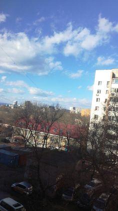 14 ноября 2017 . Невероятной красоты небо сегодня. Буквально, три оттенка синего)))