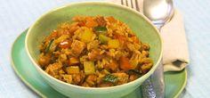 Die Reispfanne mit zarter Putenbrust und Gemüse aus unserem Video ist ein praktisches und unheimlich leckeres Mittagessen.
