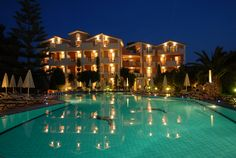 Contessina Hotel - Swimming Pool at Night