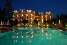 Contessina Hotel - Swimming Pool at Night