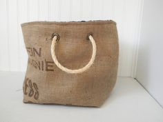 Large Coffee Bean Burlap Bucket with Nautical Lining Burlap Sacks, Feed Bags, Sack Bag, Learn To Sew, Coffee Beans, Bag Making, Couture, Purses And Bags, Sewing Projects