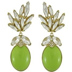 Ciner for Sophie Kelly Green Crystal Leaf Drop Earrings (1,465 SAR) ❤ liked on Polyvore featuring jewelry, earrings, 18 karat gold jewelry, crystal stone jewelry, crystal jewellery, 18 karat gold earrings and ciner jewelry