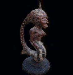 Mami Wata Water Spirit Figure - Ovimbundu, Angola #OvimbunduCarver