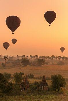 Balloons, Bagan
