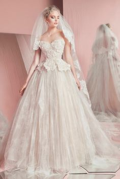 Zuhair Murad Bridal Spring 2016 Wedding Dresses | Love this dress. If I was only rich, skinny and engaged. :) http://www.deerpearlflowers.com/zuhair-murad-bridal-spring-2016-wedding-dresses/