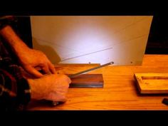 Flashlight method for sharpening knives. Aiguiser les couteaux. Afilar cuchillos con una linterna