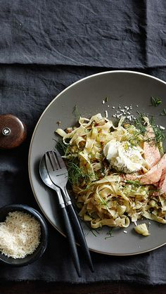 This Tagliatelle with caramelised fennel, smoked trout and crème fraîche recipe in the Gourmet Fast app looks amazing!